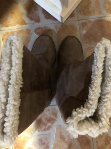 botas de cuero con corderito