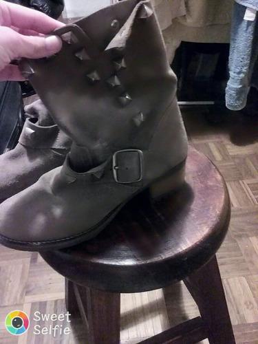 botas de cuero impecables