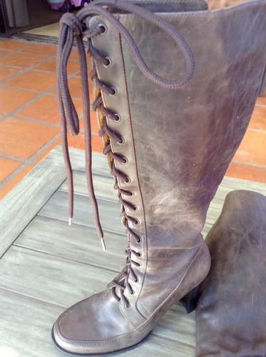 botas de cuero natural con cordones hermosas