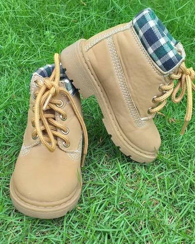 botas de niño tipo timberland o caterpillar talla 6