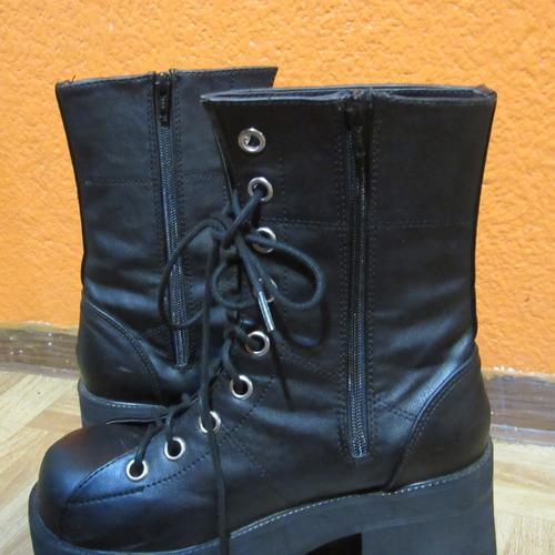 botas de plataforma under pressure