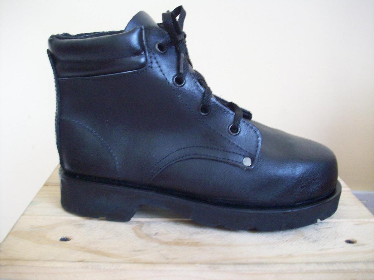 6321c19f755 Botas en cuero liso zapatos industriales botines empresas jpg 1200x900 Liso  botas para dama