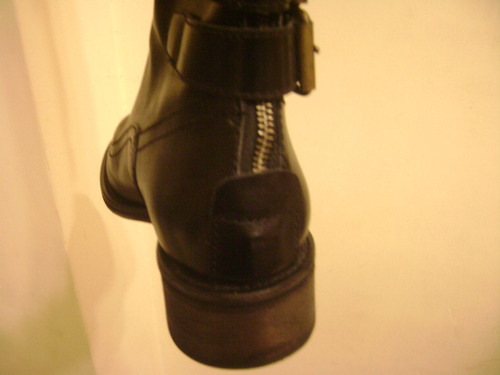botas etiqueta negra