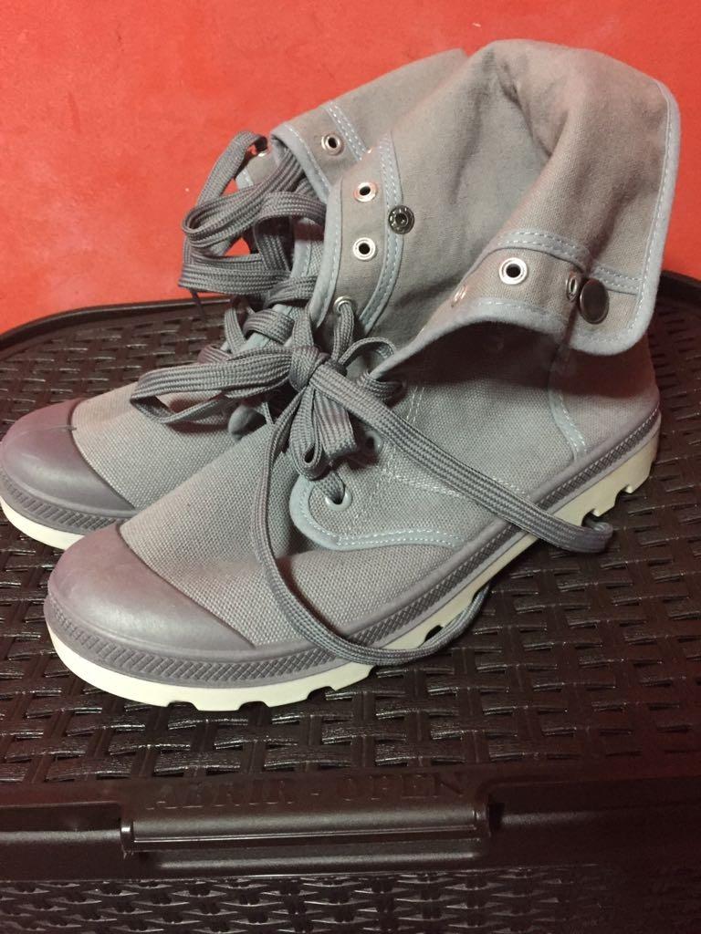 31e33158f42 botas grises para hombre o mujer talla 41 chico nuevas. Cargando zoom.