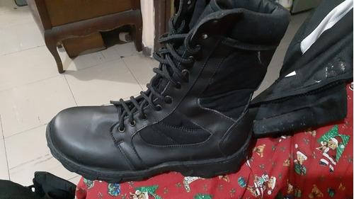 botas militares negras con cierre