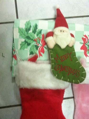 botas navideás y mantel