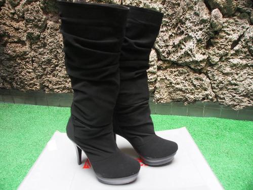 botas negras marca modeli