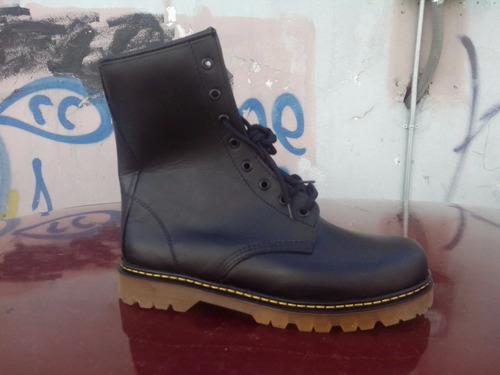 botas negras, negro, dr fortuna , bota con suela miel, graso