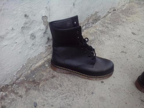 botas negras, piel, negro. 666, bota hombre