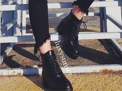botas negras tacon botines dama plataforma moda militar