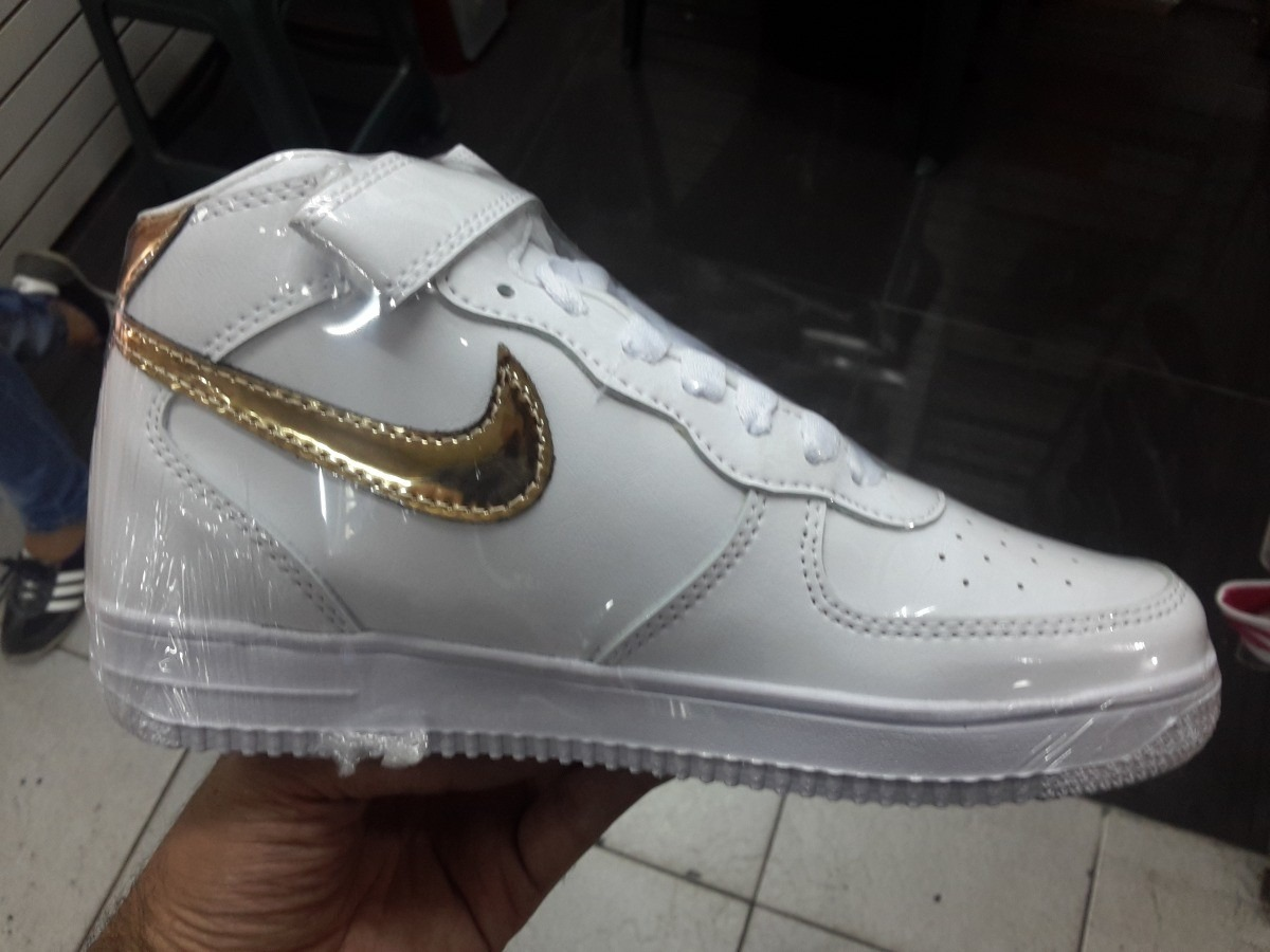 a49417342b30a botas nike air force one blanco y banca con dorado. Cargando zoom.