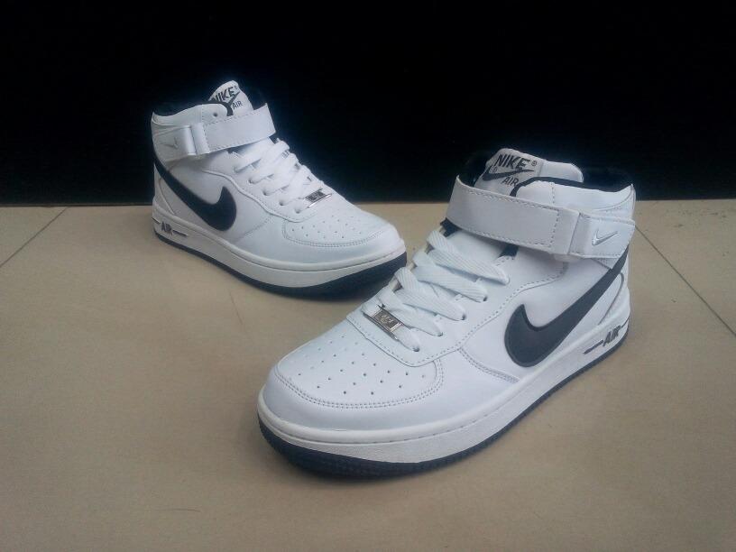 new product ee991 b6ec0 Botas Nike Air Force One Para Caballeros - Bs. 22.000,00 en