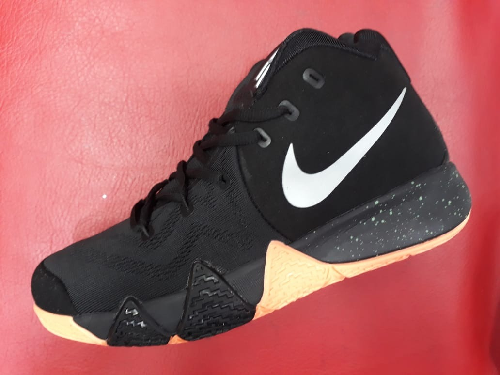 c497d8a7e607d Botas Nike Kyrie 4 Basketball - Hombre -   170.000 en Mercado Libre