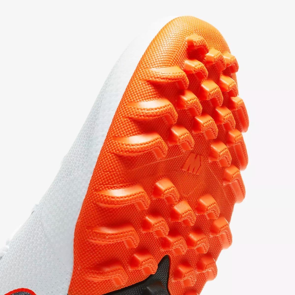 botas nike mercurial superfly blancos futbol rapido turf. Cargando zoom. 937191caa5762