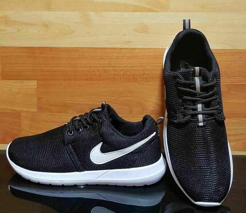 purchase cheap c14bb 89f5a botas nike roshe run para damas y caballeros. Cargando zoom.