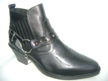 botas texanas y rockeras cortas en negro o en  guinda 39/45