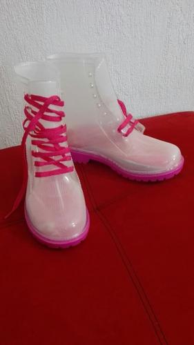 botas transparentes para agua