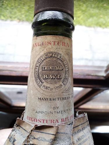 botella antigua bitter angostura