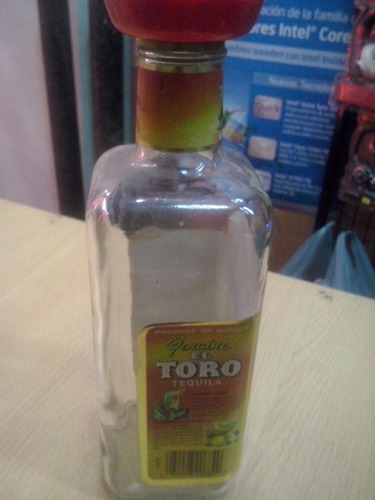 botella antigua el toro tequila white