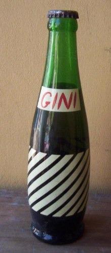 botella gaseosa gini cerrada.