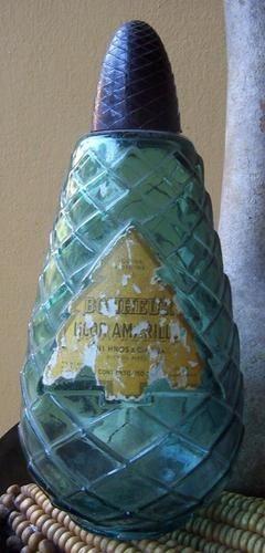 botella licor amarillo,pini.