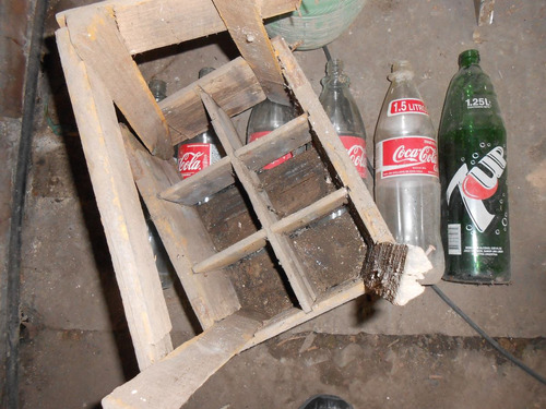 botellas bidon y cajones en madera antiquisimos x lote total