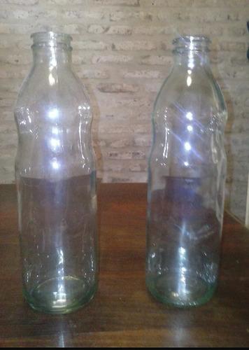 botellas de tomate vacias