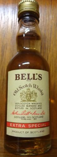 botellita de colección de whisky bells extra special