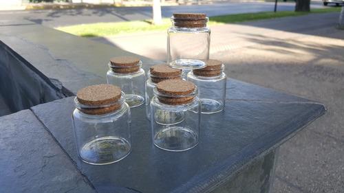 botellita vidrio con corcho, frazco 3.5 x 4cms. souvenirs