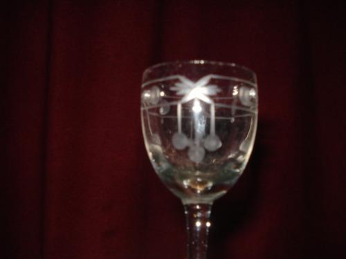 botellon  con  copas