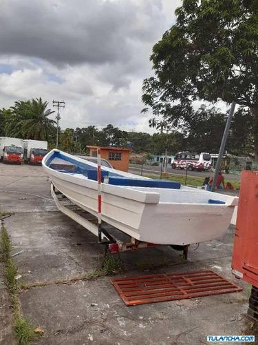 botes y canoas