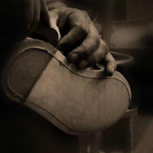 botín de caballero welt chelsea fina piel gamuza pulida oro