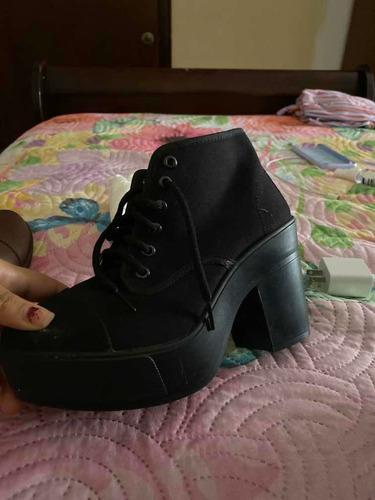 botín negro de tacón