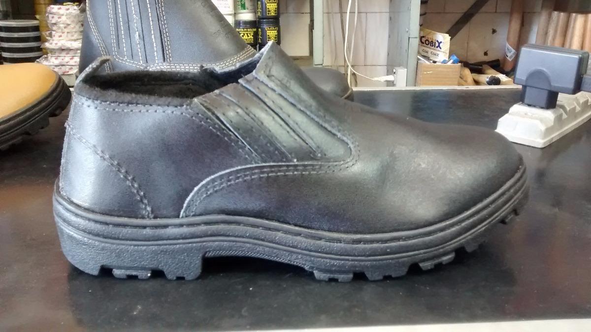 0fd40d08ee botina couro solado borracha boot cano curto preto segurança. Carregando  zoom.