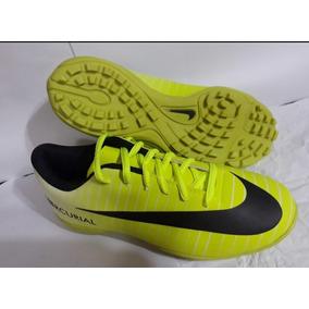 76473c6fd977b Botines Sin Cordones Nike - Botines para Adultos Amarillo en Córdoba ...
