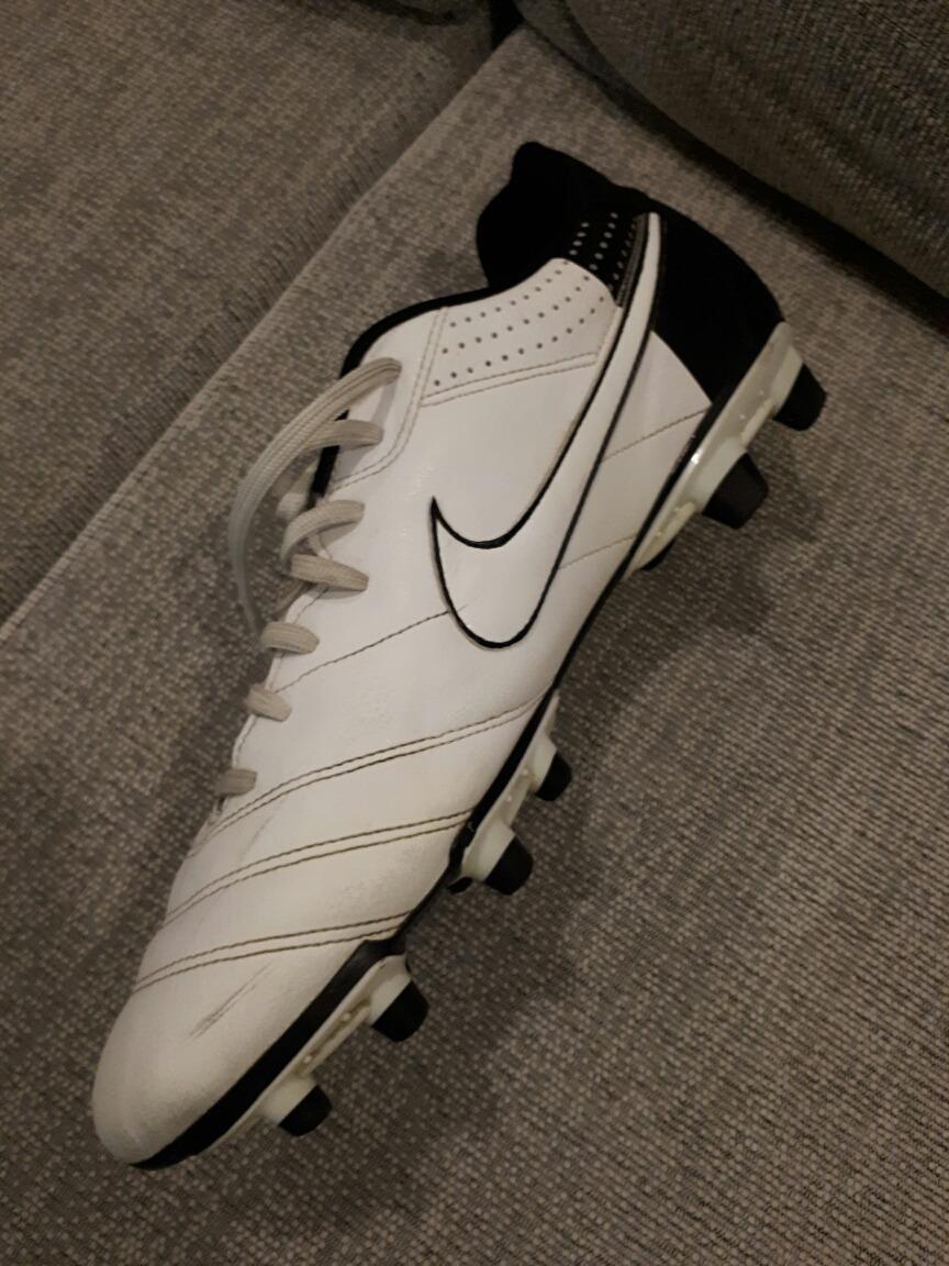 a8ba8f339 Botines Nike Tiempo Cuero Blanco-negro Campo - $ 1.300,00 en Mercado ...