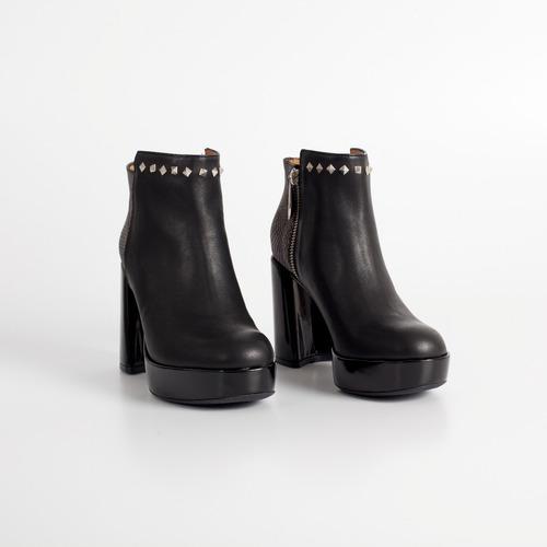 botineta de cuero. art amy 154 negro. otro calzado