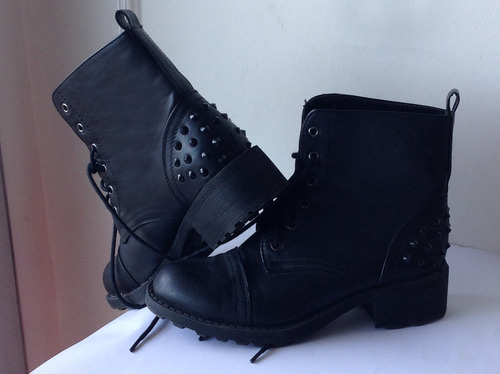 botitas borsegos borseguies negros con tachas nuevas