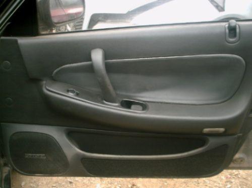 botão vidro elétrico dianteiro  direito  nissan maxima  91