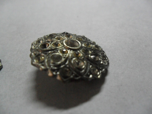 boton botones antiguos indumentaria moda botoneria piedra