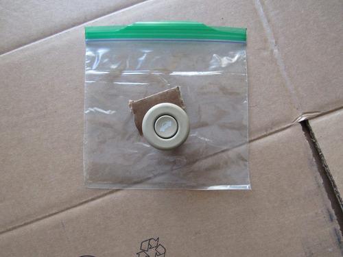 boton de apertura de cajuela cadillac cts 2004