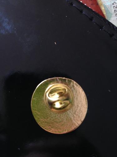 boton pin grande de reconocimiento,o centro vacio.