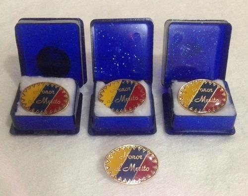 botones de reconocimiento pin insignia (4)