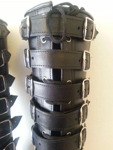 bototo largo, bota estilo militar, 7 hebillas dobles, cuero