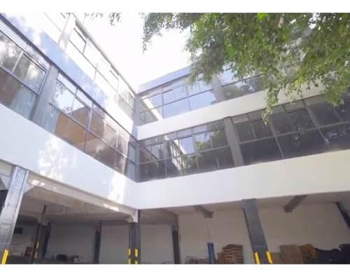 boulevares / lomas verdes: segundo piso en edificio con gran flujo vehicular y peatonal.