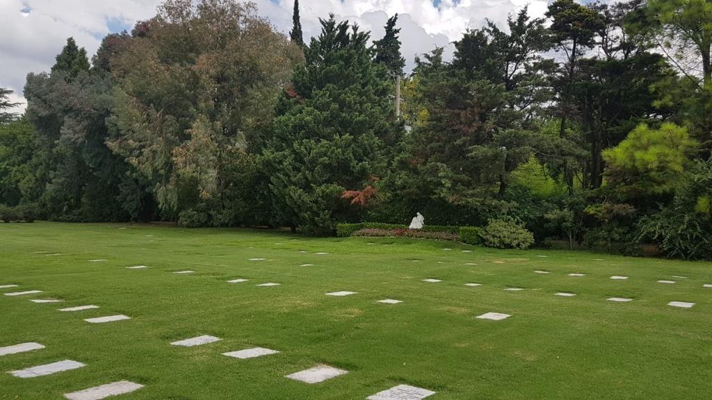 bóveda nicho parcela cementerio jardin de paz pilar