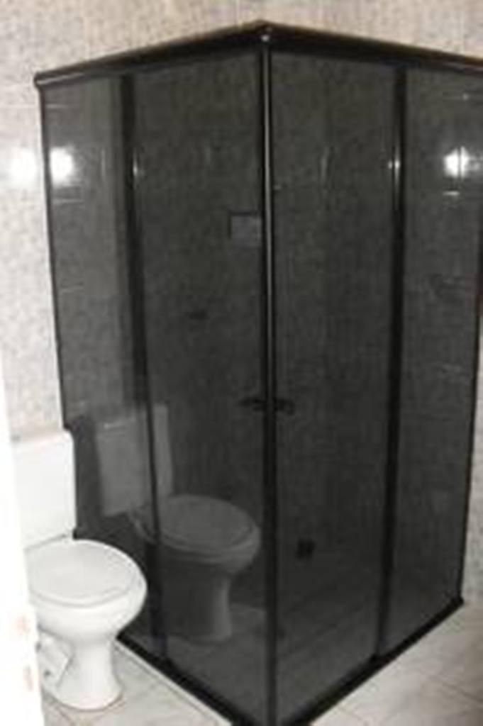 Box Banheiro Vidro Fume Completo Com Kit Fosco Valor Do M²  R$ 157,00 em Mer -> Pia De Banheiro De Vidro Fume