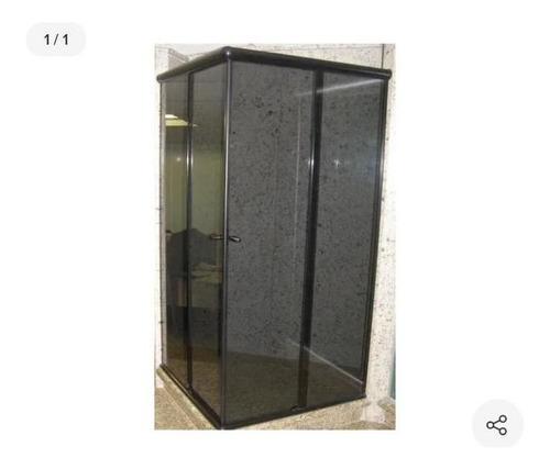 box de vidro e acrilico
