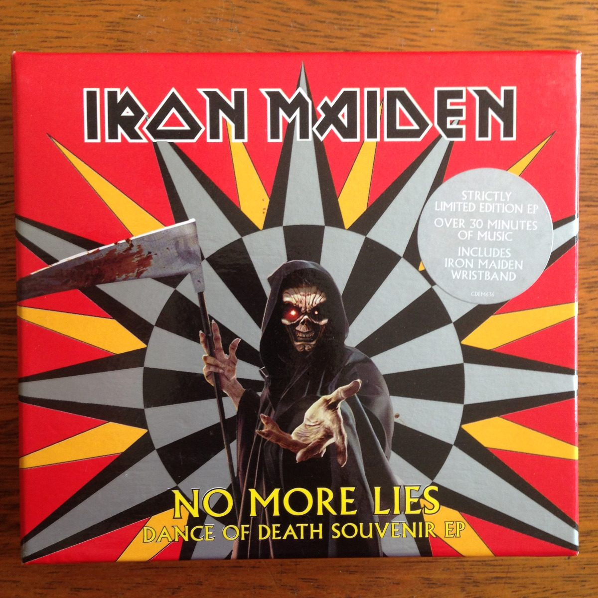 box-iron-maiden-no-more-lies-completo-com-munhequeira-D_NQ_NP_781268-MLB26590770147_012018-F.jpg
