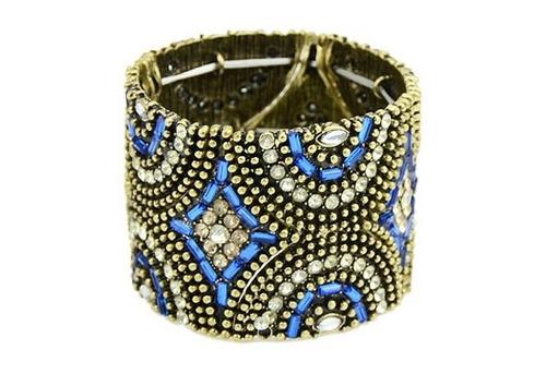 bracelete trabalhado pedrinhas e detalhe em azul